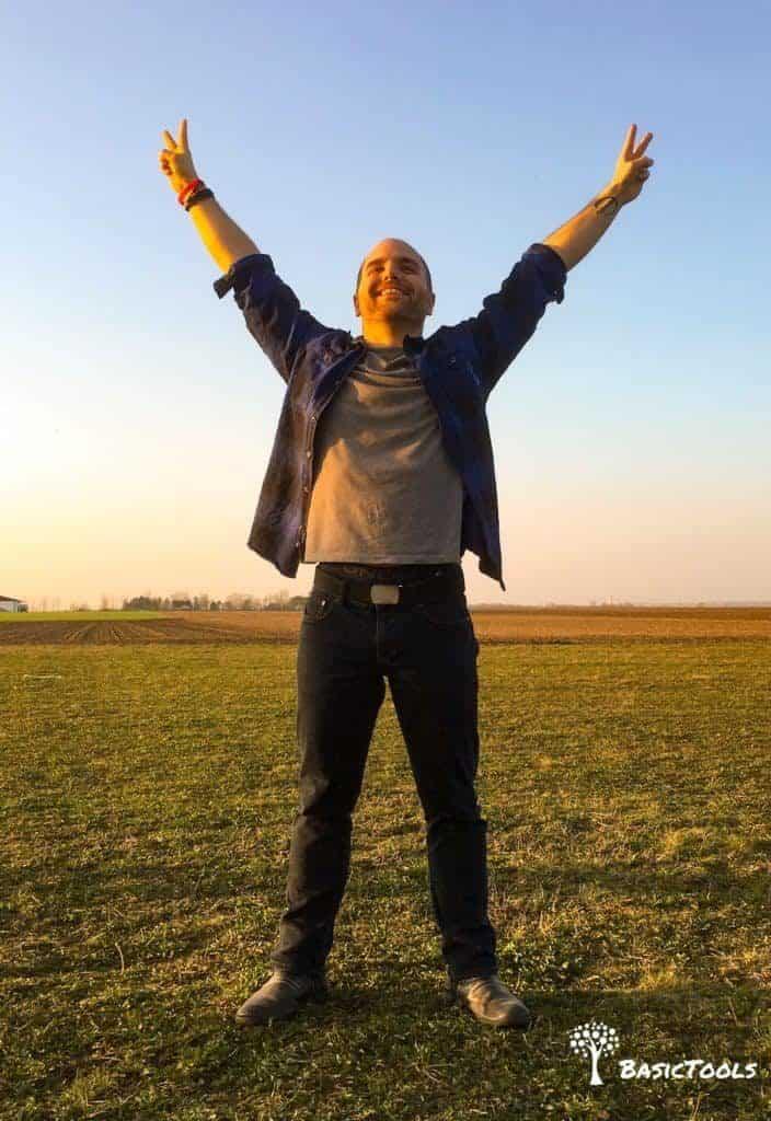 Powerposing Selbstvertrauen stärken Siegerpose Niels Cimpa